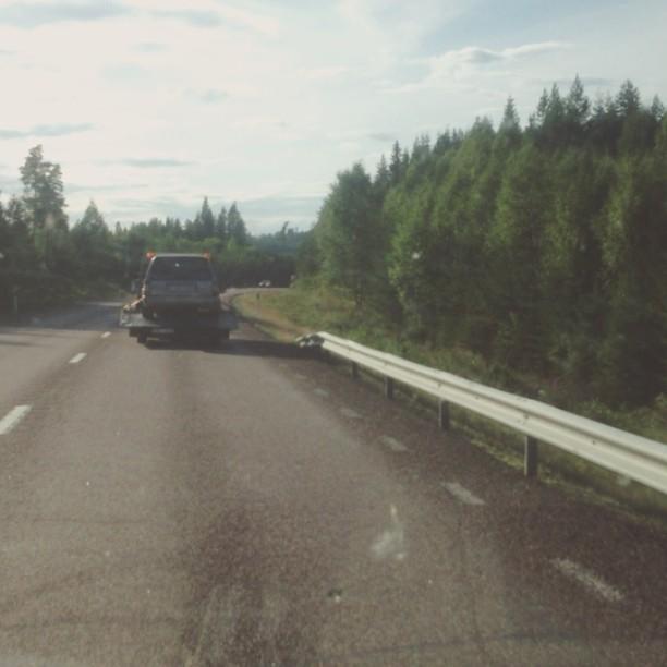 Påväg till landet/ roadtrip to our countryhouse :;)