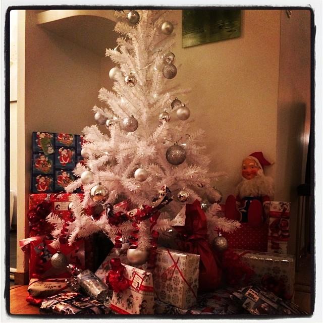 X-mas presents wrapping , check!! #juafton #julgran