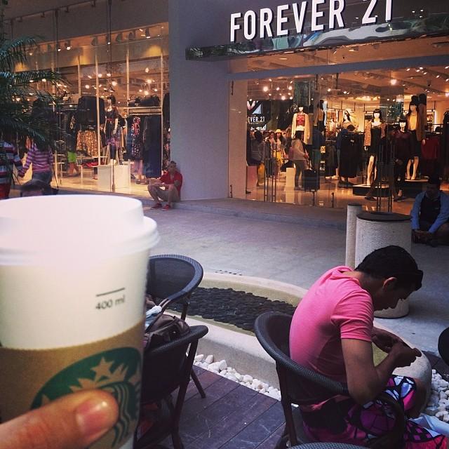 Second stop, :)Coffe paus! #playadelcarmen #starbucks