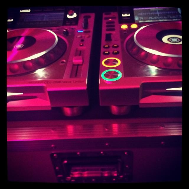 Push that button!! #bar54sthlm #bar54 #zeblopez #party  #house #progressivehouse #dancemusic #partyhits