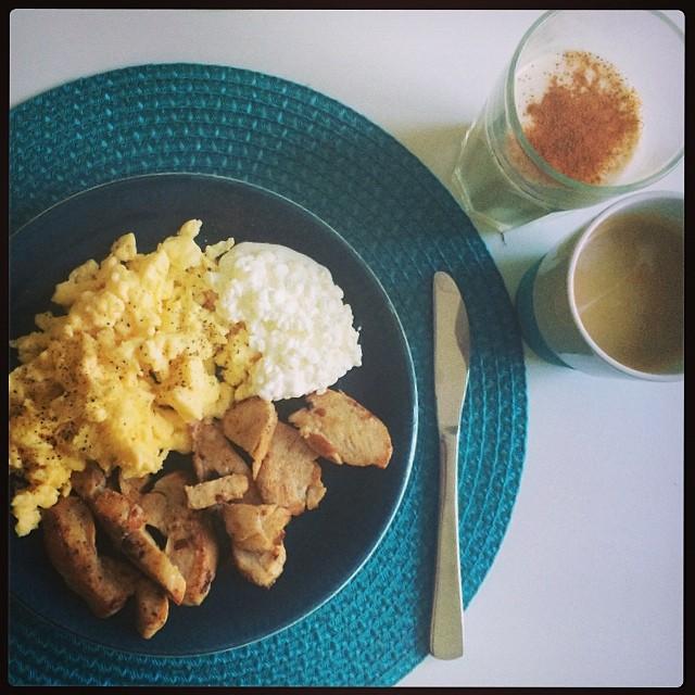 Stabilt frulle! #frukost #mat #träning #fitness #fitnessguru #kiwiyoghurt #zeblopez