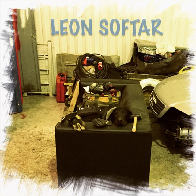 Leon hittade sin plats i garaget :)
