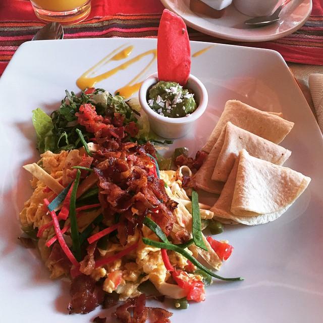"Time for this dish. ""miga"" #breakfast #vagabonda #mexico"
