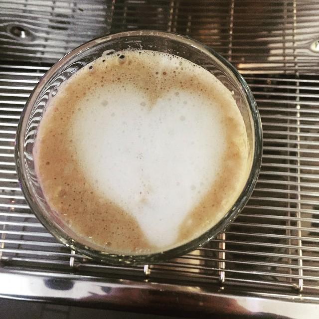 Gjorde en latte :) ett hjärta blev det !