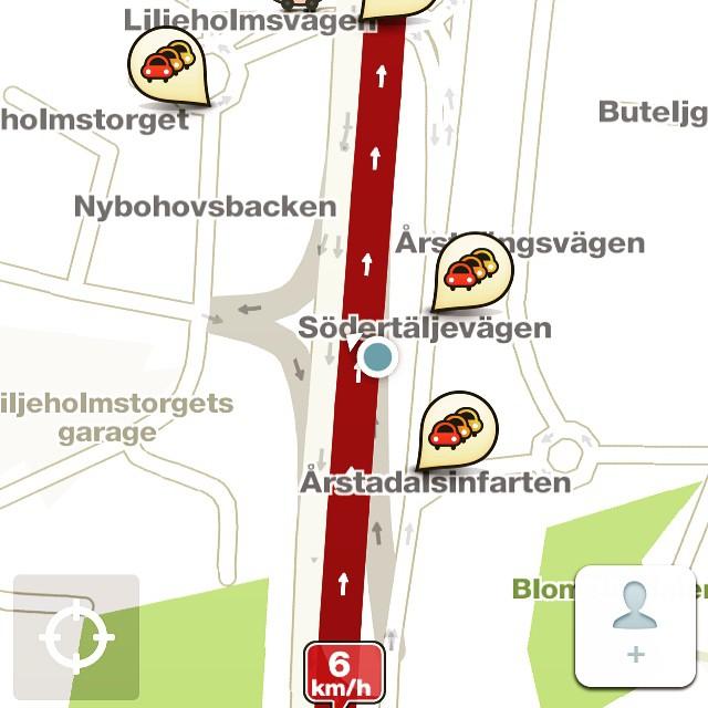 Kö , kö och åter kö! #waze #gps #köer #stockholm