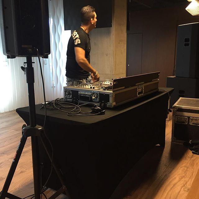 Soundcheck @ Friends arena Vip :) #pioneer #artist #deephouse #techhouse #mnml #techno #jblsoundsystem #djzeb #zeblopezofficial