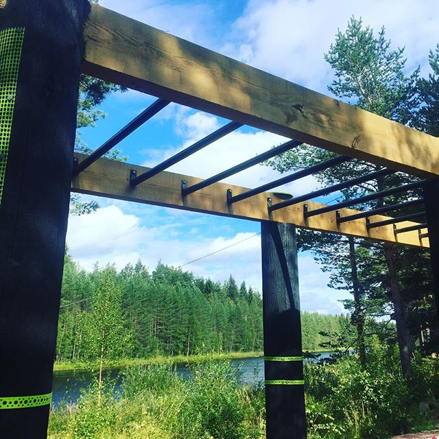 God morning.. Im in Älvdalen (RiverValley) up North in Sweden.  Starting My day With a run and some outdoor gym by The river.. ;)