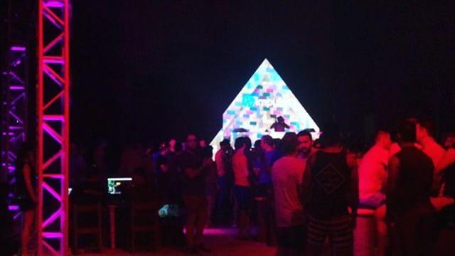 Arena @ Wahwah 11Pm—> @technohearts @technohearts_records @djzebofficial